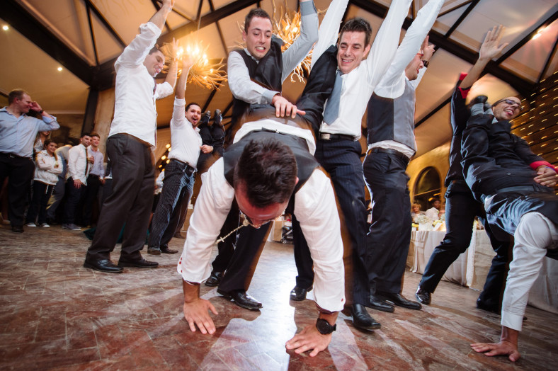 groom upside down