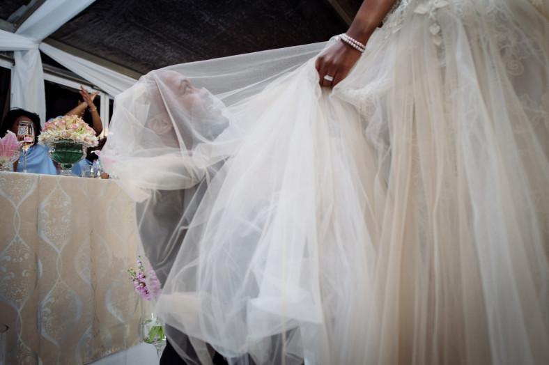 groom search for garter