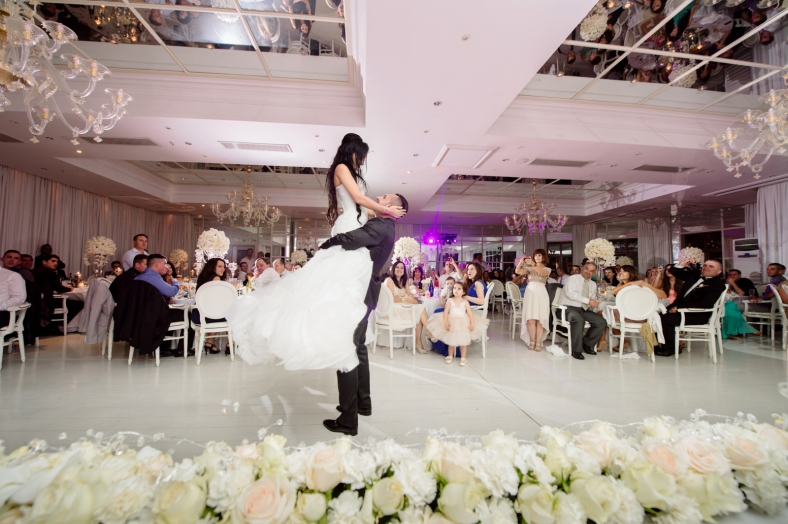 Big wedding lift