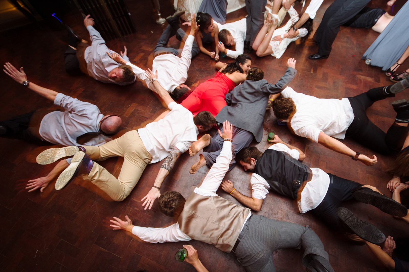 everyone diving on the floor at a wedding