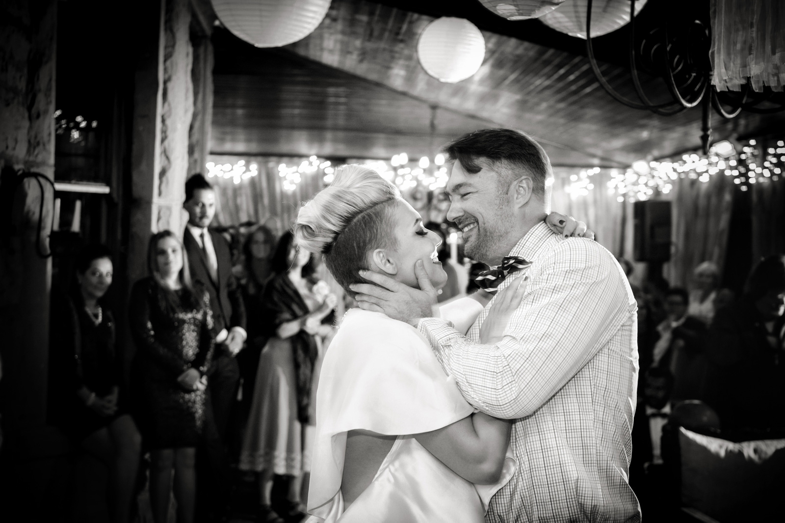bride and grom first dance