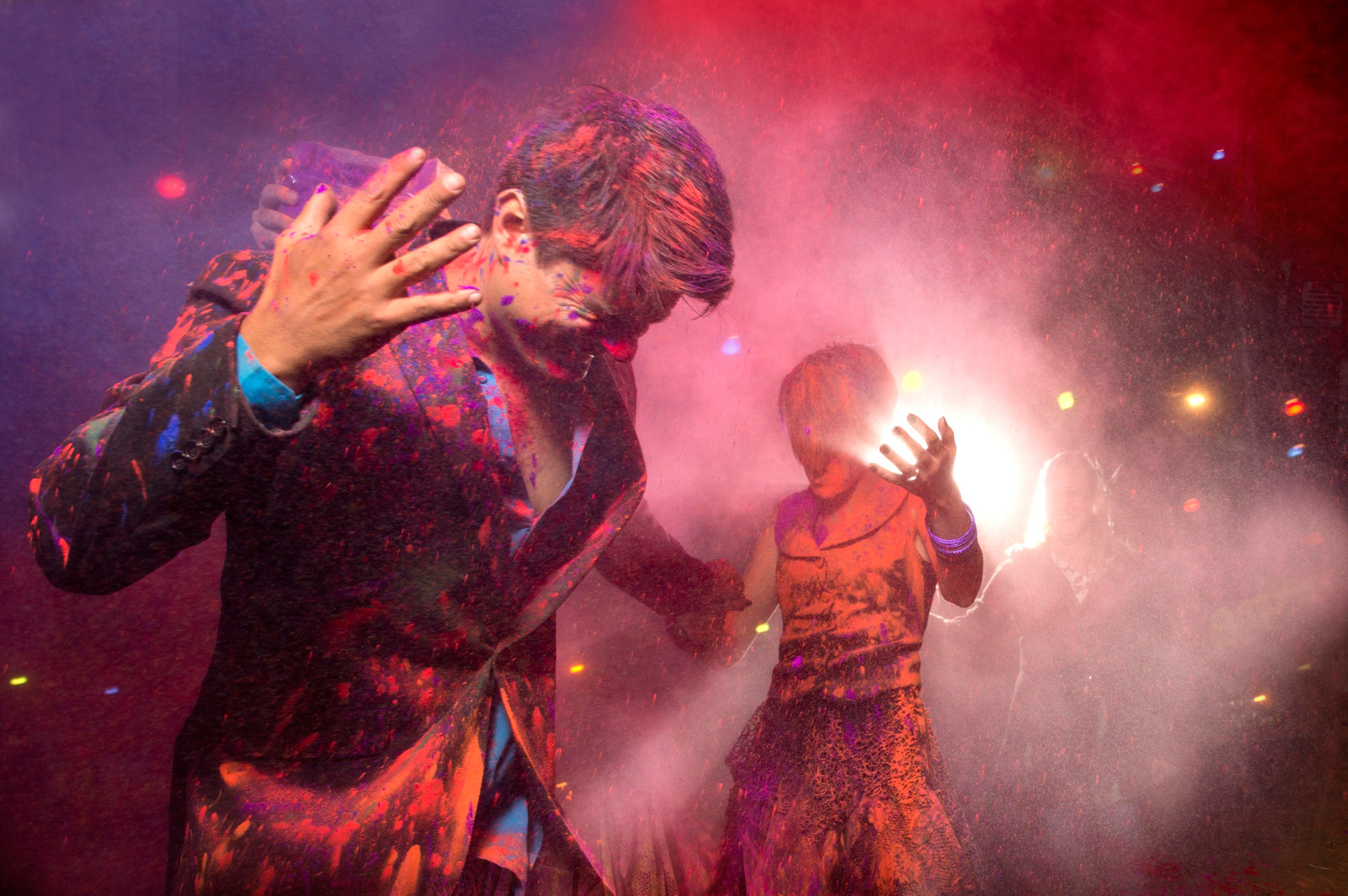 bridal couple with holi powder